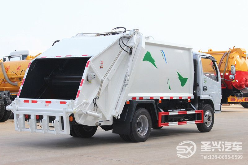 东风多利卡5方挂桶压缩式垃圾车
