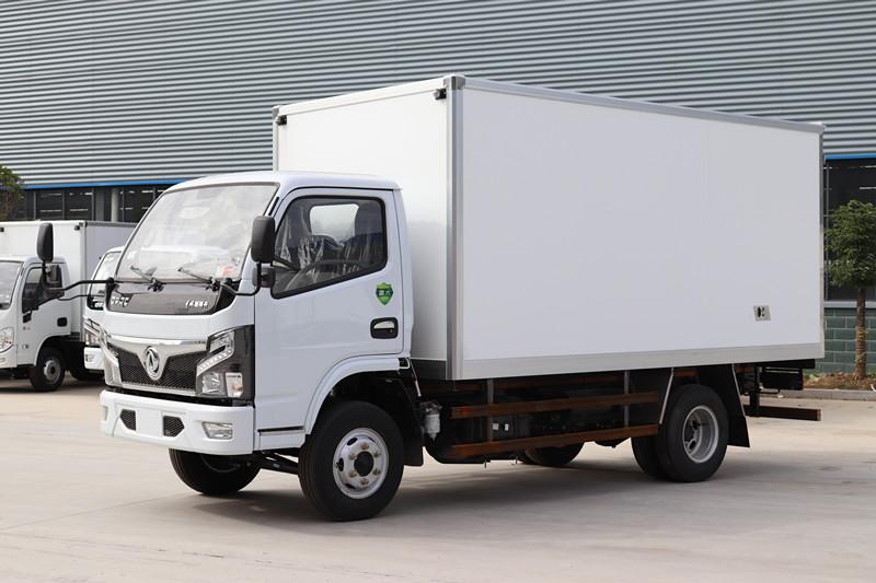 国六-东风多利卡4米2冷藏车