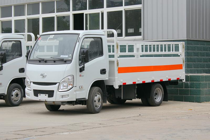 国六-跃进小福星3米3气瓶运输车